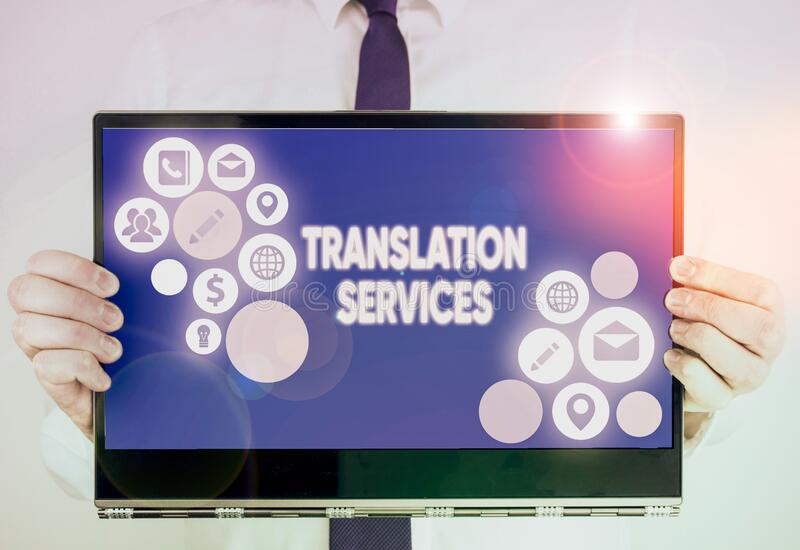 Gravando nota mostrando os Serviços de Tradução Organização de exibição de fotos de negócios que fornece demonstração para traduç imagens de stock