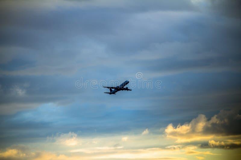Gravar el aeroplano imagen de archivo libre de regalías