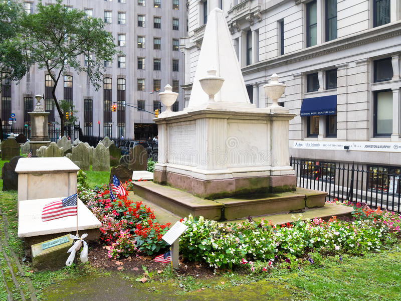 The grave of Alexander Hamilton at the Trinity Church Cemetery stock photography