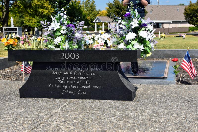Grave Johnny und June Carter Cash in Hendersonville, TN, USA stockbild