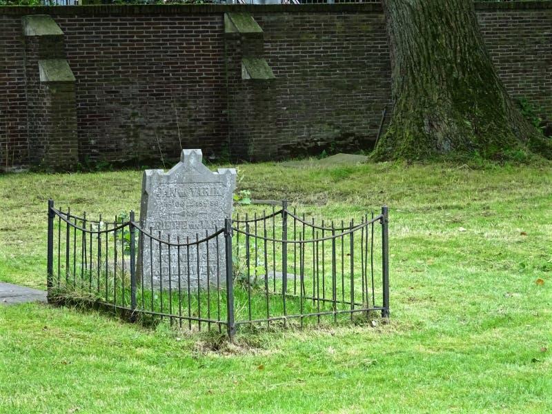Grave Plot With Fence Free Public Domain Cc0 Image