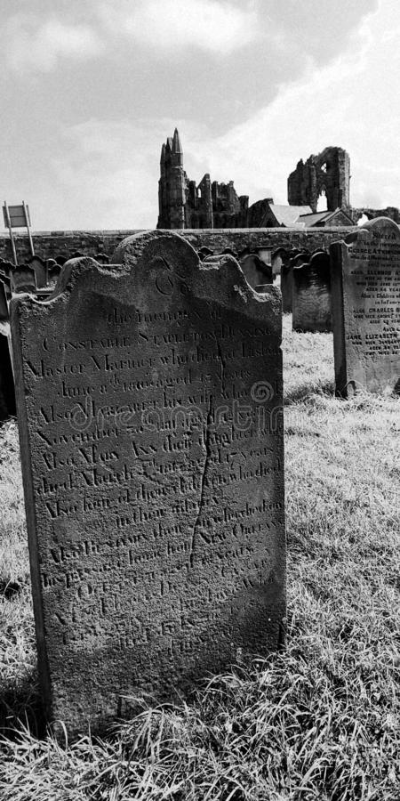 Grave Stone, Grave Yard, Abbey, Headstone with Perioption Dood stock foto's