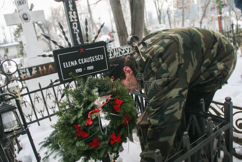 Graven av den kommunistiska diktatorn Nicolae Ceausescu royaltyfri bild