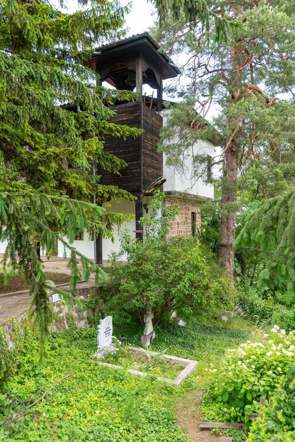 Graven van de Oudsten in het Sokolin-Klooster in Bulgarije royalty-vrije stock foto