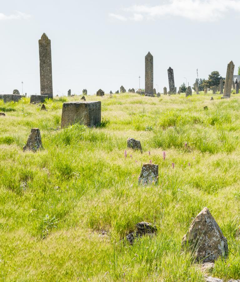 Graven van oude begrafenissen stock foto