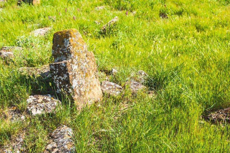Graven van oude begrafenissen stock afbeelding