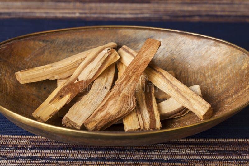 Graveolens del Bursera, sabidos en espa?ol como Palo Santo ?madera santa ? fotografía de archivo libre de regalías