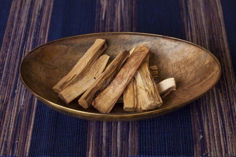 Graveolens del Bursera, sabidos en espa?ol como Palo Santo ?madera santa ? fotos de archivo libres de regalías