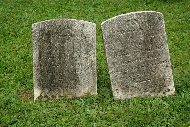 gravestone старые 2 стоковое фото