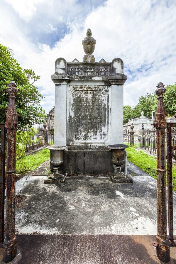 Gravestone przy Lafayette cmentarzem Żadny 1 w Nowy Orlean zdjęcie royalty free