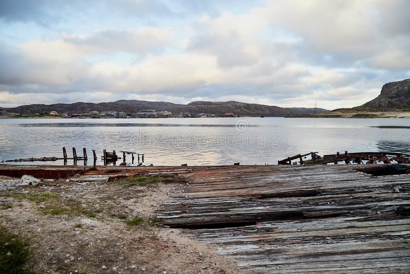 Graveyard van oude schepen in Teriberka in Rusland royalty-vrije stock foto's