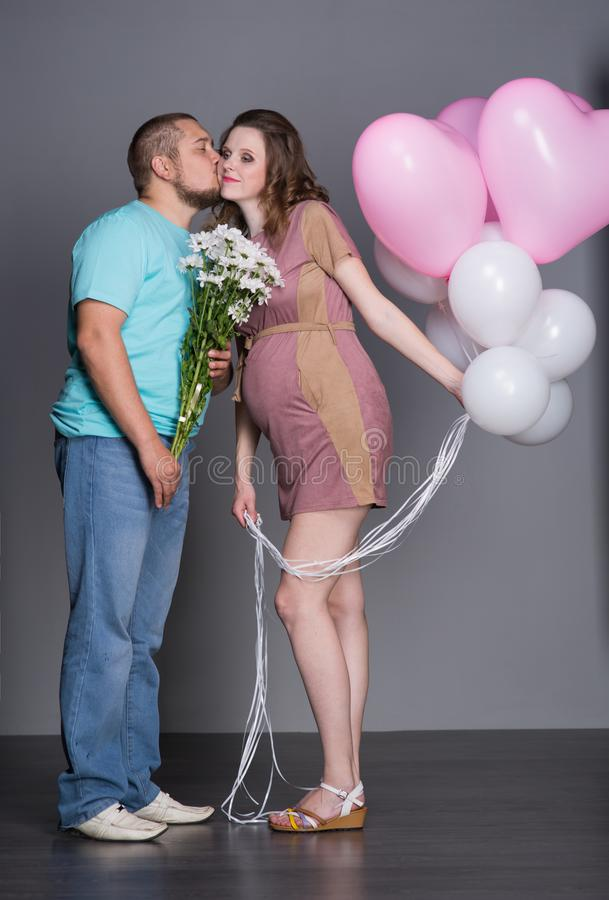 gravid fru för maka royaltyfri fotografi