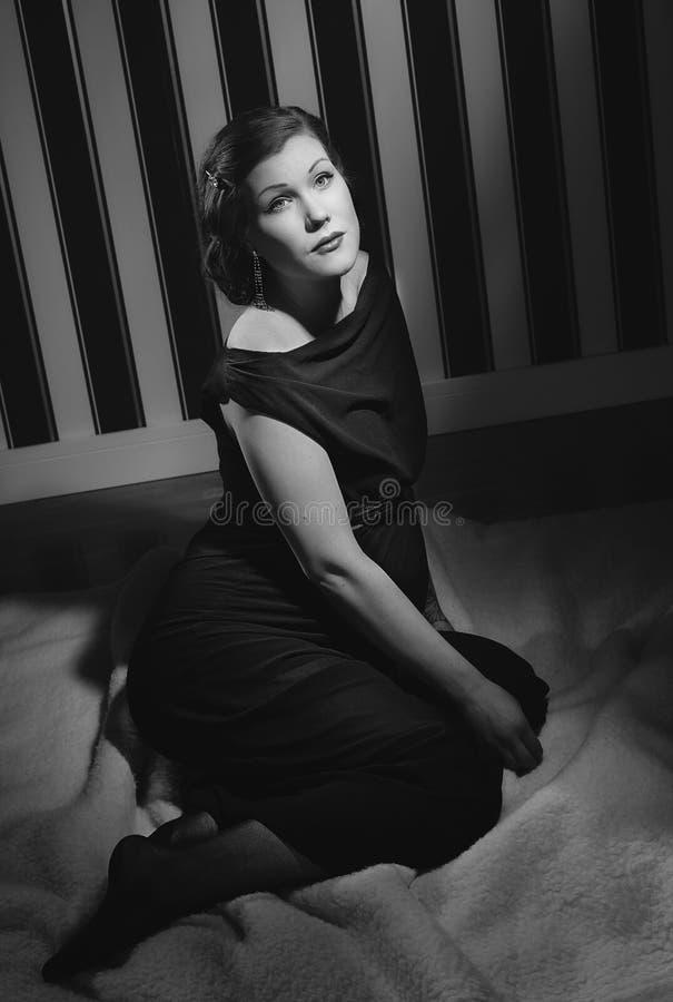 Gravid Hollywood kvinna royaltyfri fotografi