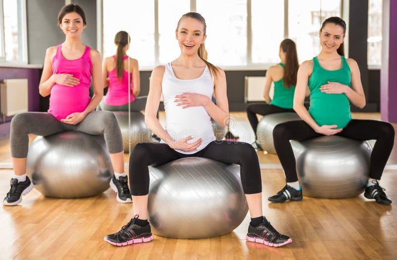 gravid kvinna Kondition royaltyfri bild