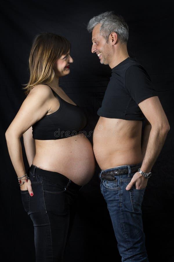 gravid man royaltyfria bilder