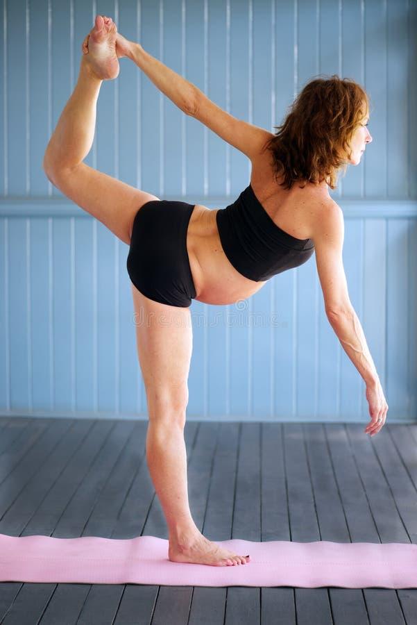 Gravid yoga royaltyfria foton