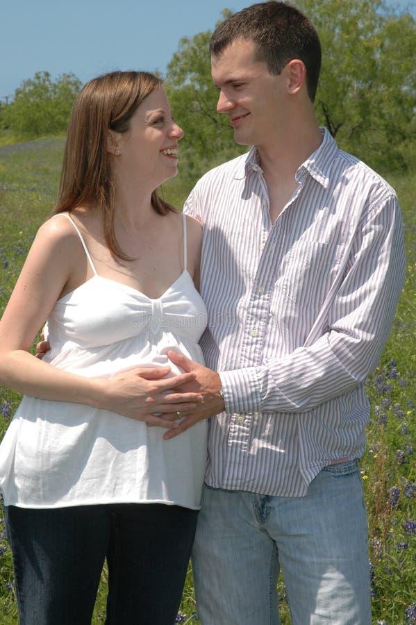gravida par arkivfoto