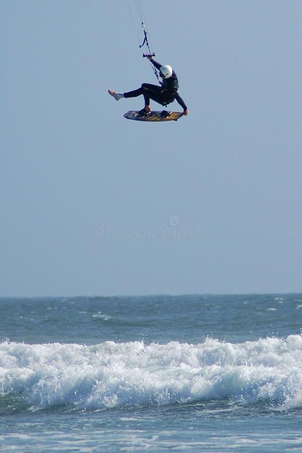 Gravidade de provocação do surfista do papagaio imagens de stock