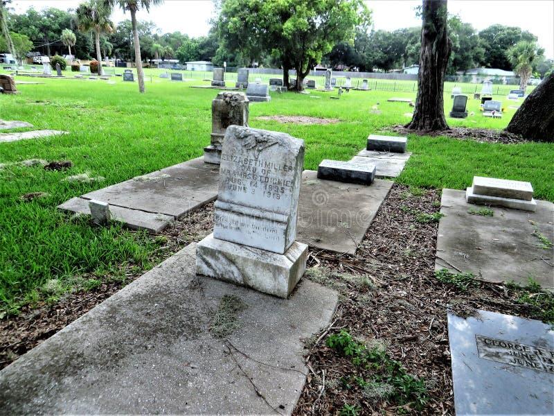 Gravstenar gammal kyrkogård, Palmetto, Florida royaltyfri fotografi