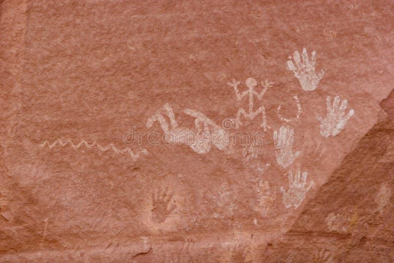 Gravures en oude kunst op canionmuren stock afbeelding