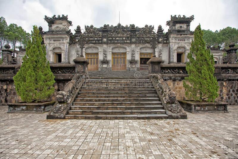 Gravvalv av Khai Dinh royaltyfri bild