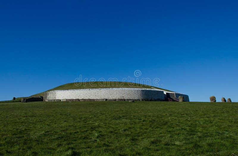 Gravvalv för Newgrange stenpassage, Irland royaltyfri fotografi