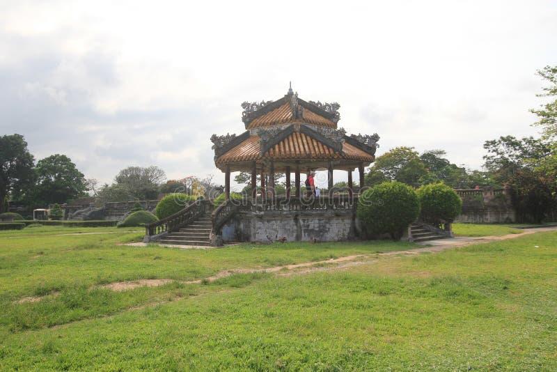 Gravvalv för Vietnam Lang khaidinh i ton royaltyfria bilder