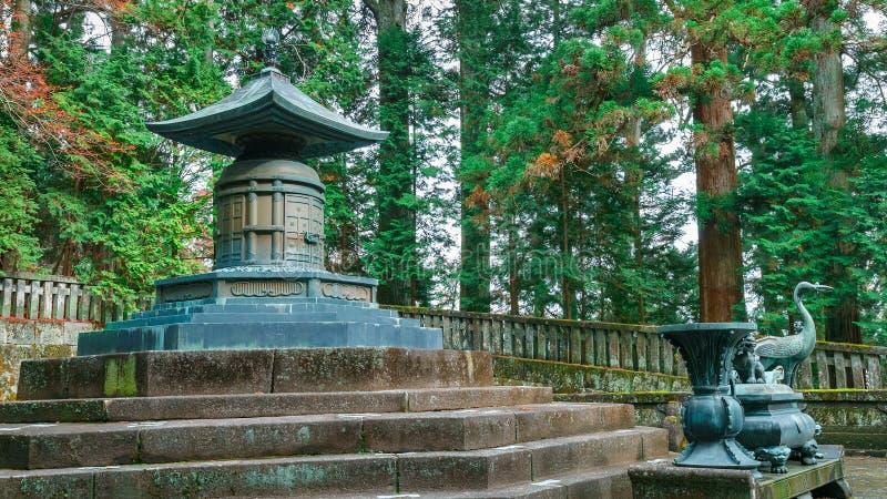 Gravvalvet av Tokugawa Ieyasu i dengu relikskrin i Nikko, Japan arkivfoton