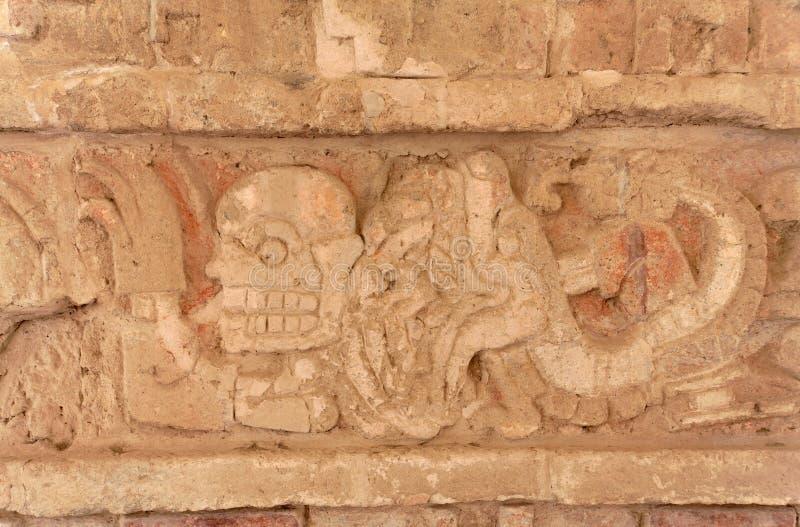 gravyrgudmexico toltec tula arkivfoto
