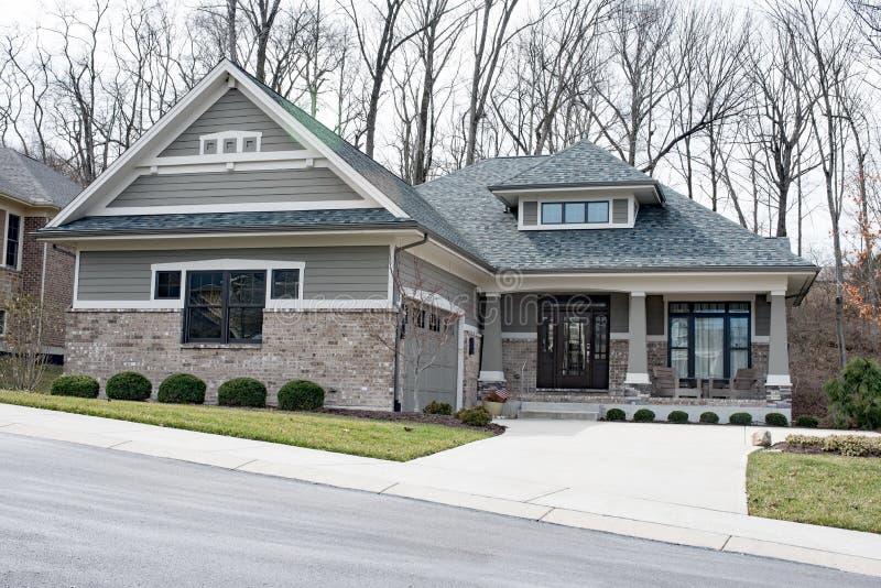 Gray Brick House moderno foto de stock royalty free
