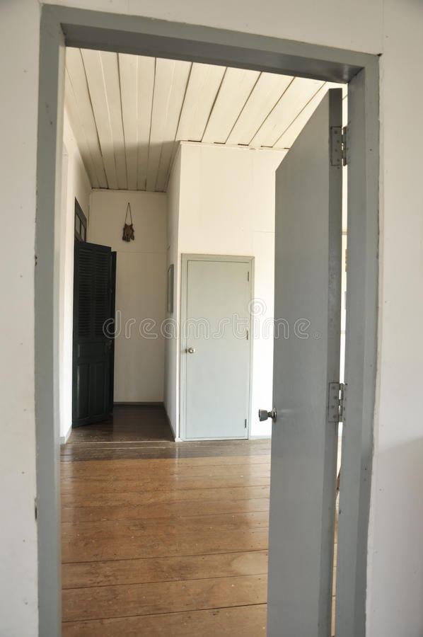 Free Gray Door Room Open Inside Home Royalty Free Stock Images - 22840509