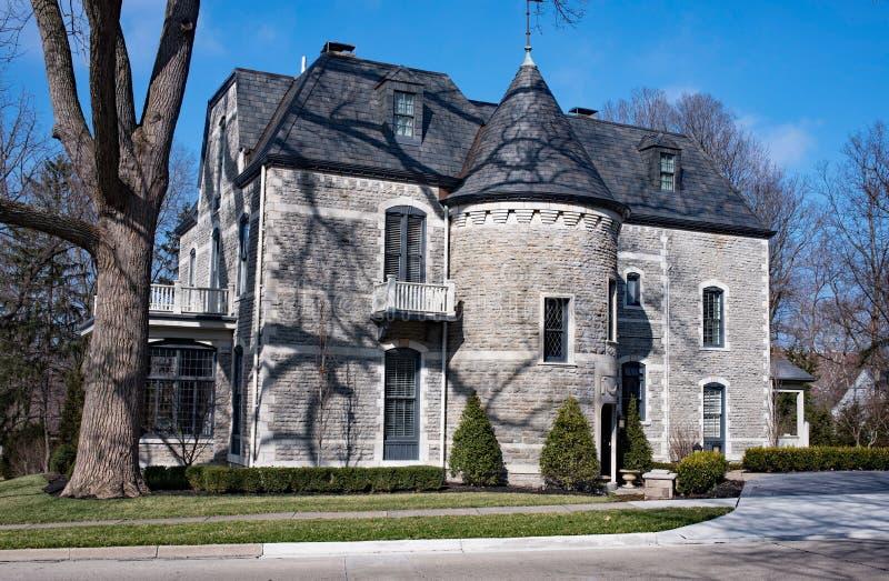 Gray Stone House Side elegante fotografía de archivo