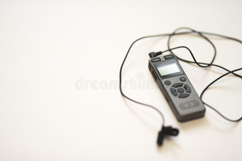 Gray Voice Recorder + schwarzes entfernbares Mikrofon 2019 stockbild