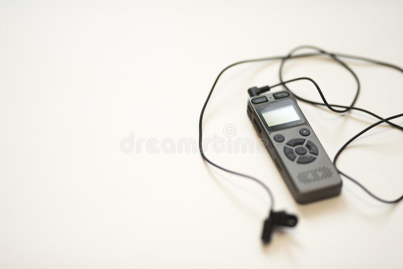 Gray Voice Recorder + schwarzes entfernbares Mikrofon 2019 lizenzfreies stockbild