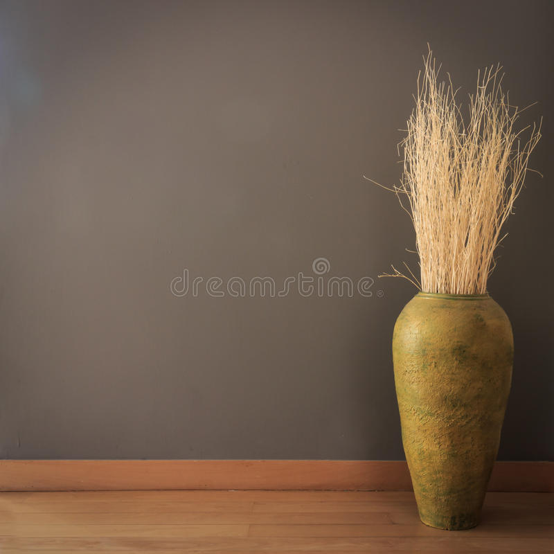 Free Gray Wall With Vase Of Dry Branch Stock Photography - 38770282