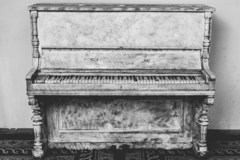 Gray Wooden Upright Piano Free Public Domain Cc0 Image