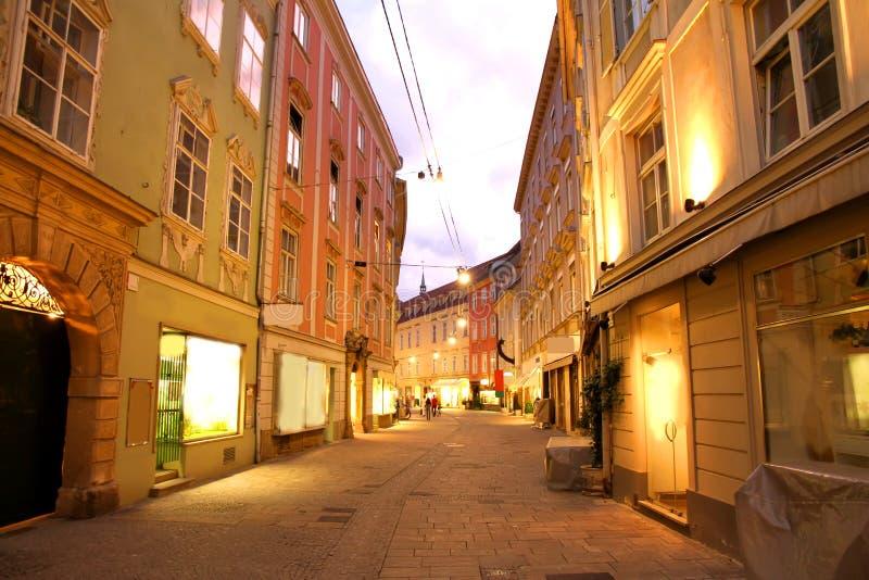 Graz bis zum Nacht stockbilder