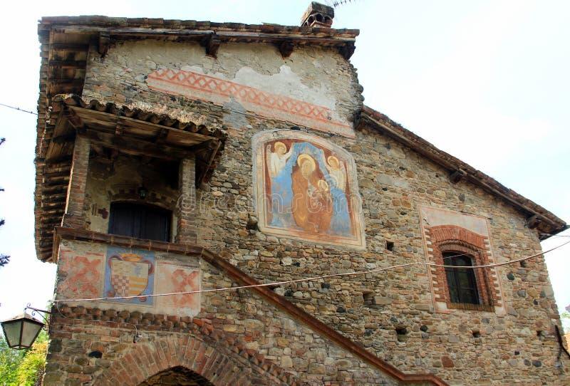 Grazzano Visconti, średniowieczna wioska w północnym Włochy fotografia royalty free