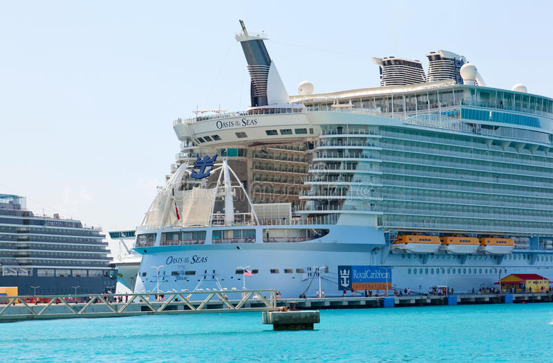 Download Great Bay, Philipsburg, St. Maarten Editorial Photo - Image of travel, vessel: 20833386