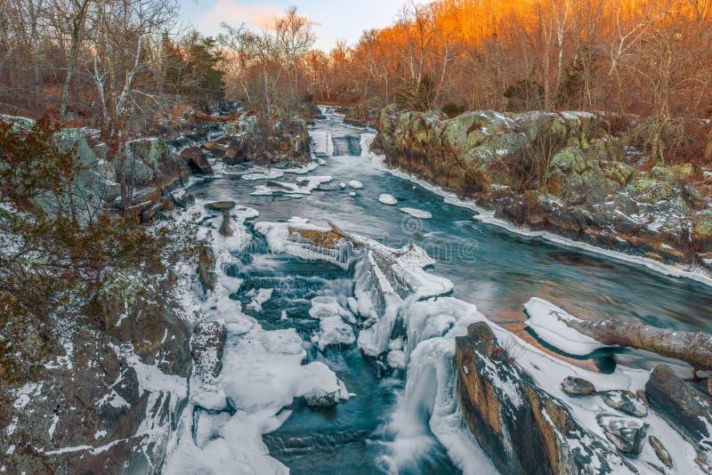 Great Falls av Potomacet River i vinter maryland USA royaltyfria foton