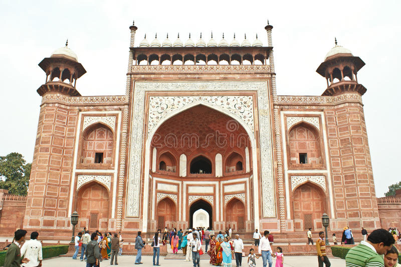 Download The Great Gate To The Taj Mahal, Agra,India. Editorial Stock Image - Image: 18483864