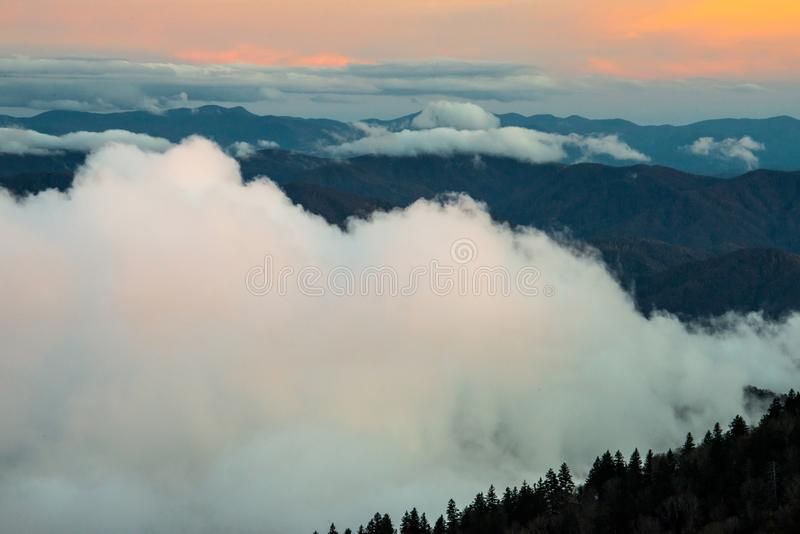 Great Smoky Mountains au coucher du soleil images stock