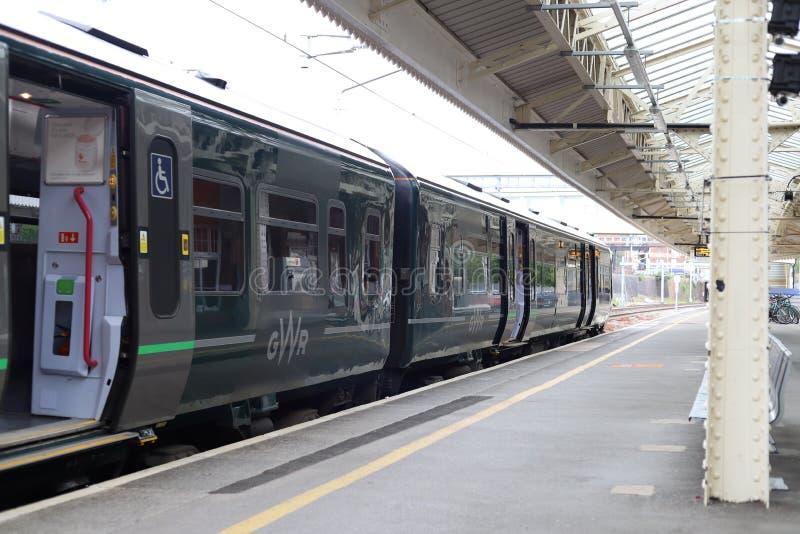 Great Western Bahn-London verklemmter Zug von Newbury-Station, Großbritannien lizenzfreies stockbild