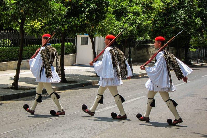 Greccy żołnierze w Ateny, Grecja fotografia stock