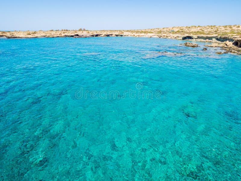 Grecia, Creta: Playa de oro en la isla de Chrysi, una de la locura y playa del gorgeus en el mundo fotografía de archivo libre de regalías
