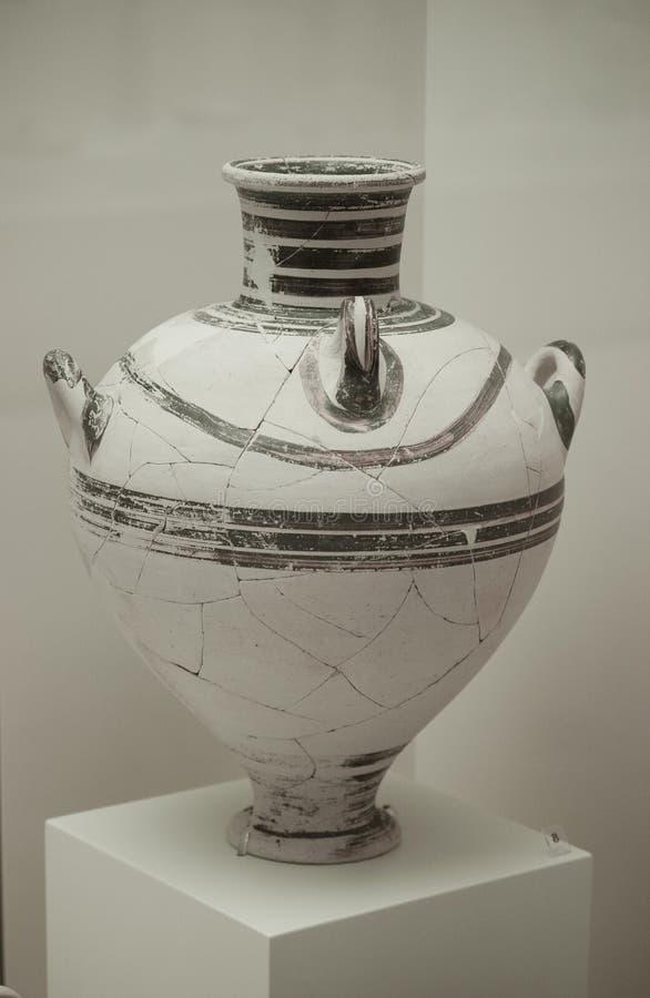 grecian urn royaltyfri fotografi