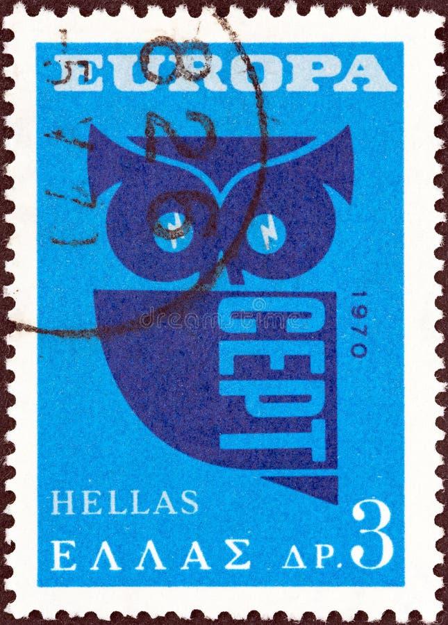 GRECJA - OKOŁO 1970: Znaczek drukujący w Grecja pokazuje sowy poczty rogi i CEPT, około 1970 obraz royalty free
