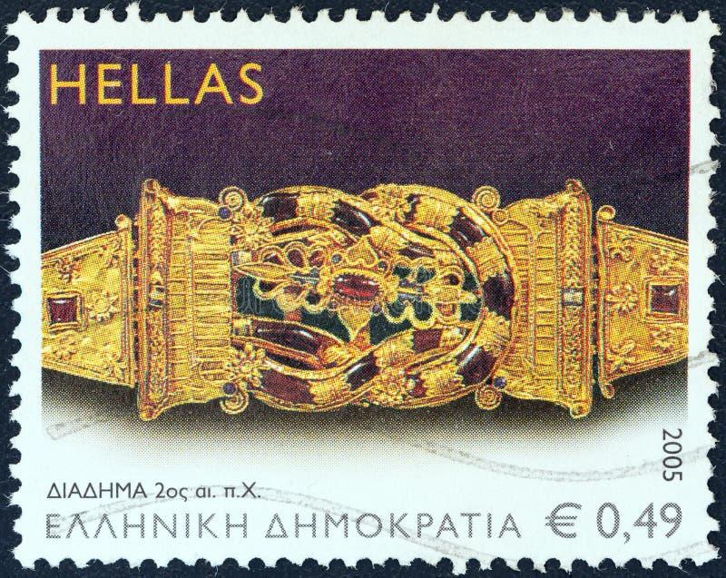 GRECJA - OKOŁO 2005: Znaczek drukujący w Grecja przedstawieniach Koronuje, 2nd wieka b C , około 2005 zdjęcia royalty free