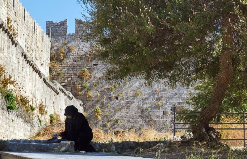 Grecja Rhodes, Lipiec, - 12 W starym miasteczku na Lipu 12, 2014 w Rhodes, Grecja zdjęcia stock