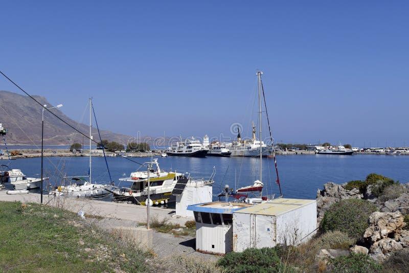 Grecja, statki w schronieniu w Crete blisko Chania obraz royalty free